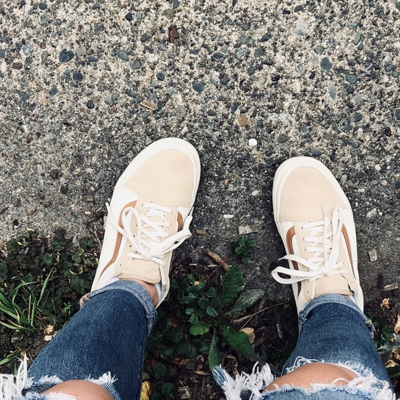 6d0c3e869ea Madewell x Vans Old Skool Suede. M 5c40174e1b3294e113f50b90. Other Shoes ...